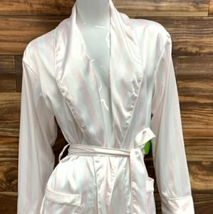 Sam Edelman robe.  Large nwt